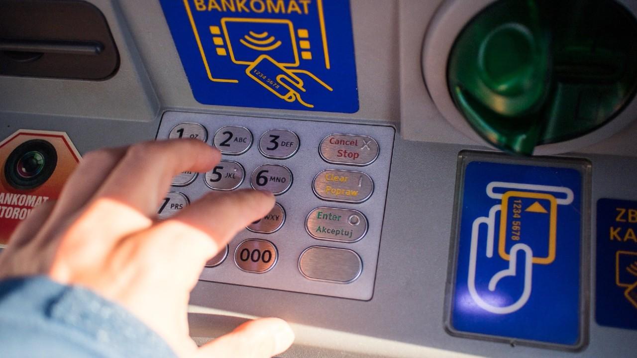 Destapan forma de robo en cajeros automáticos de la CDMX