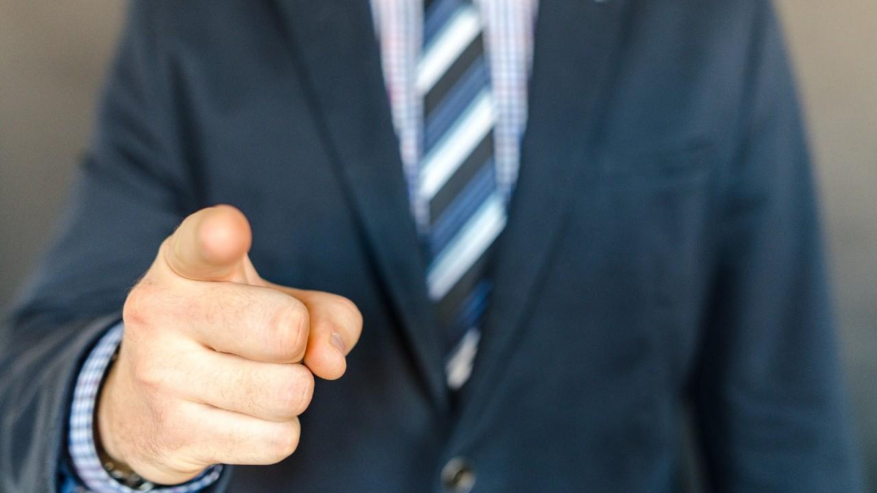 Jefe regala 25 millones de dólares como bonos de aguinaldo a empleados