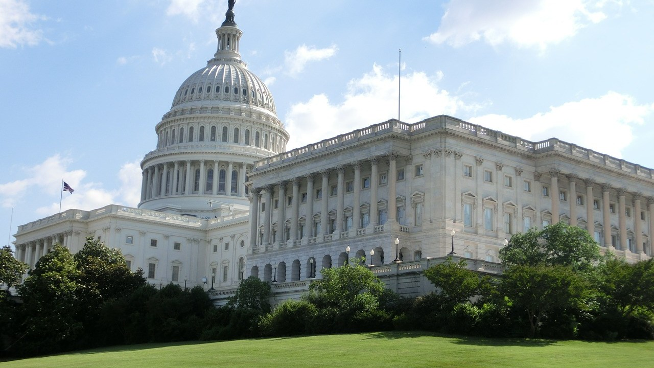 Legisladores estadounidenses acuerdan paquete de estímulos económicos