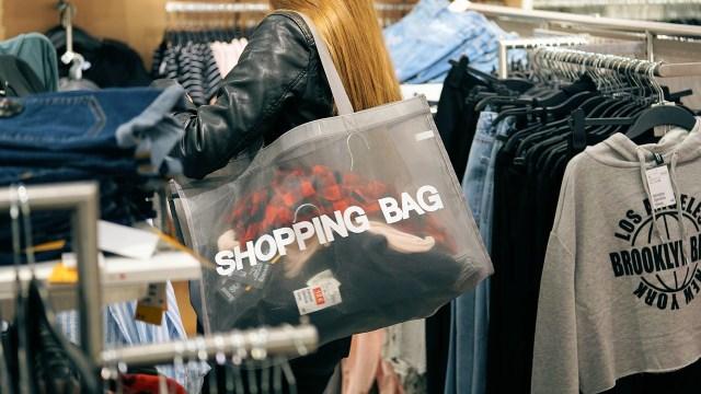 ¿Por qué deberías preferir comprar ropa cara?