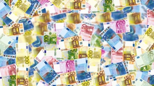 Euros para economía afectada por el covid (Imagen: pixabay)