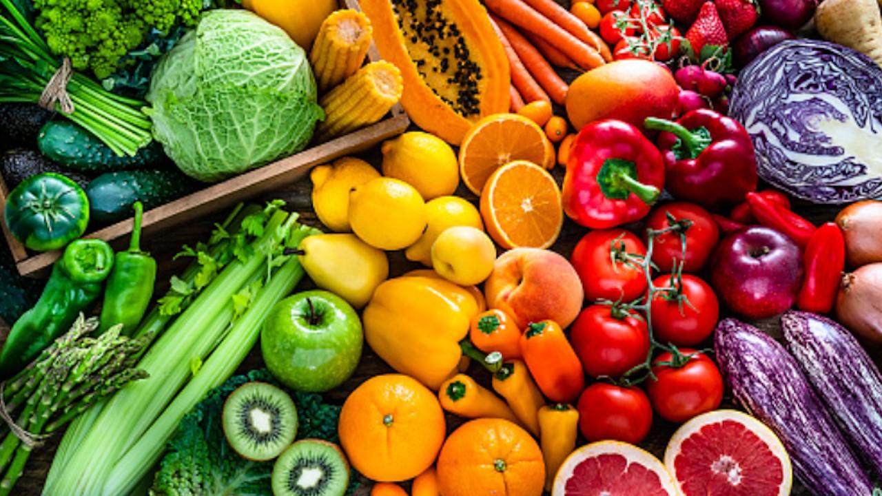 Comprar frutas y verduras en el supermercado (Imagen: pixabay)