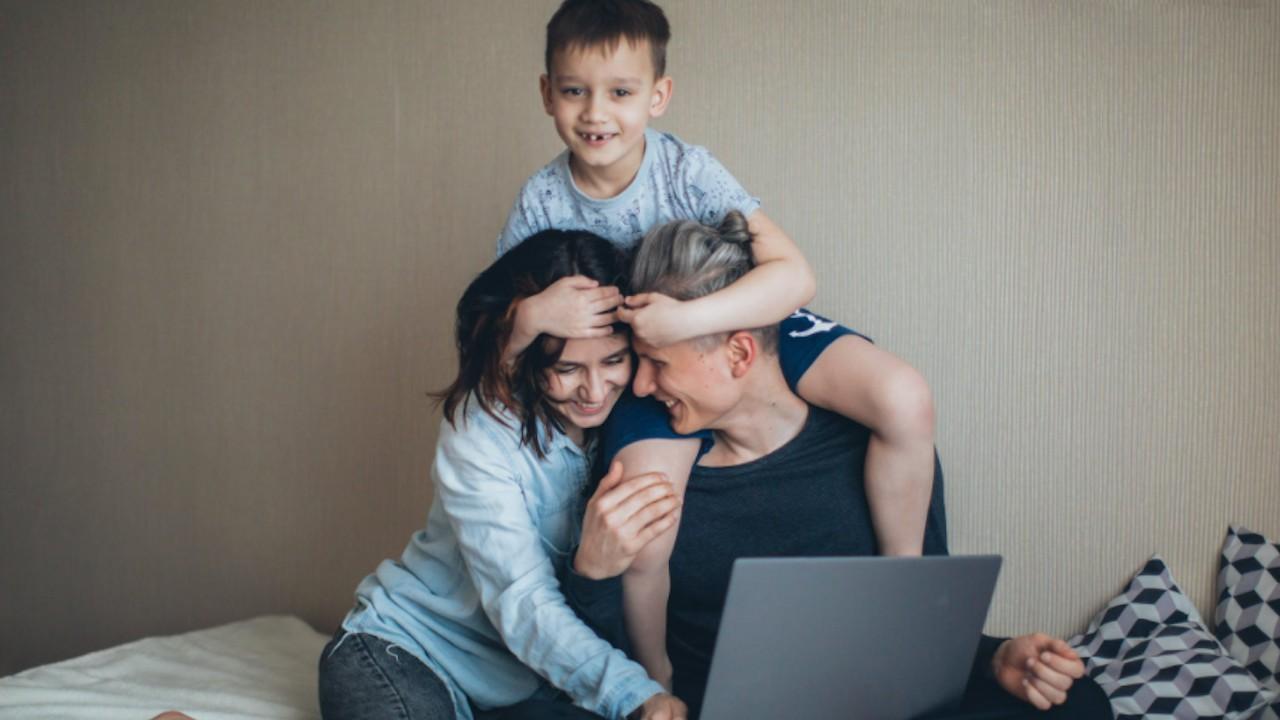 Home office durante coronavirus y roles de padres (Imagen: pexels)