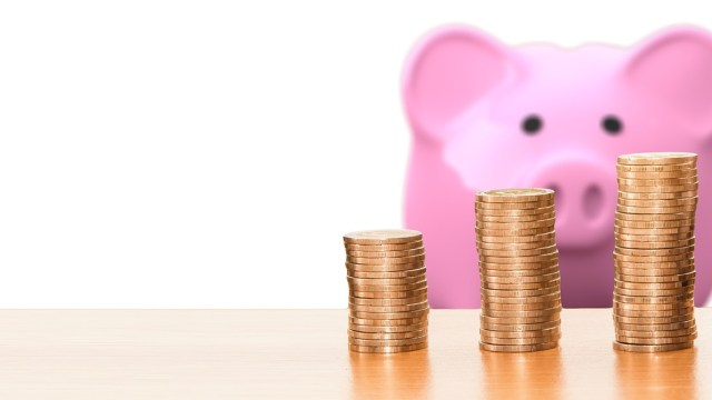 Consejos para ahorrar e invertir tu dinero este 2021