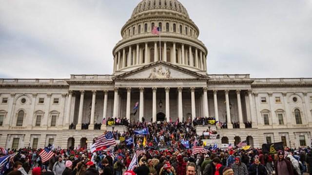 Líderes de empresas más grandes de EE.UU. condenan 'eventos' en el Capitolio (Imagen: Twitter @SachaBaronCohen)