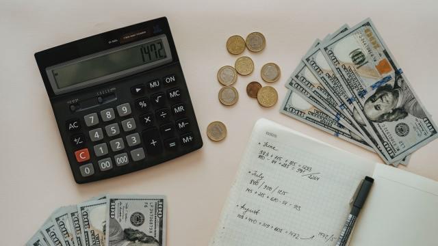 Más del 40% de los ingresos de tu familia se van en impuestos