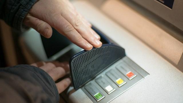 Cómo retirar dinero de los cajeros automáticos del Banco del Bienestar