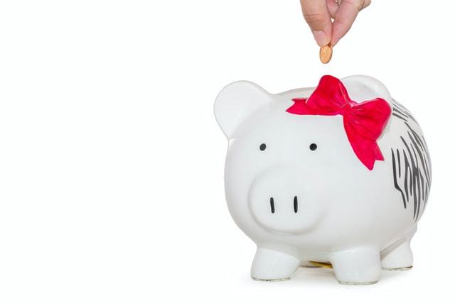 Ahorrar o pagar deudas: ¿qué debo hacer primero?
