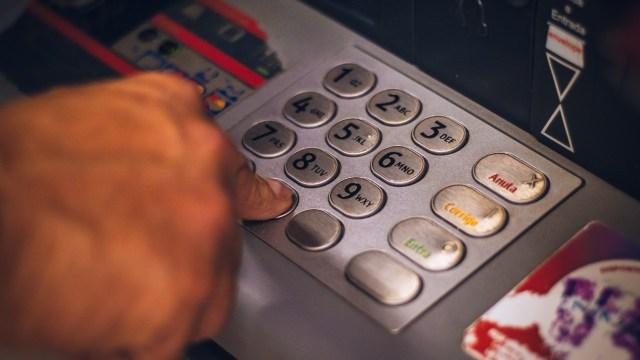 Consejos de la Condusef para usar un cajero automático