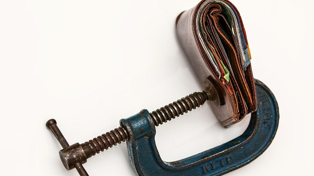 Puntos a considerar antes de pedir un préstamo para pagar deudas