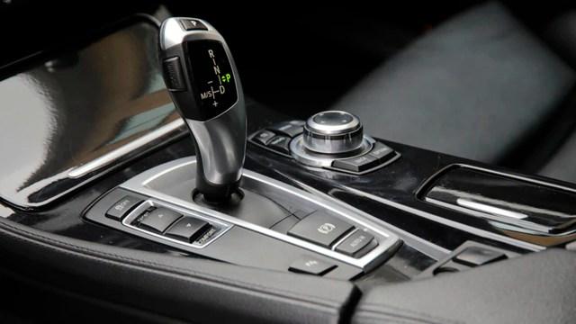 Si piensas comprar un choche, te contamos qué sistemas en los autos ahorran gasolina