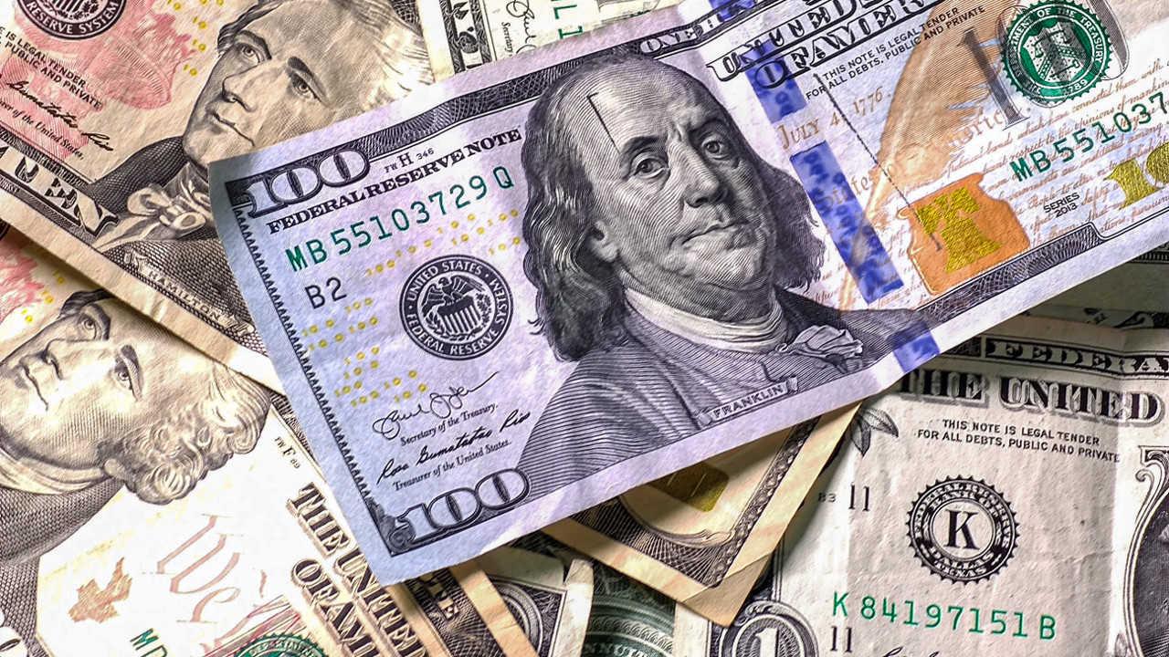 La mayoría de los dólares que entran a México lo hacen por medios electrónicos y no en efectivo    Fuente Oink Oink