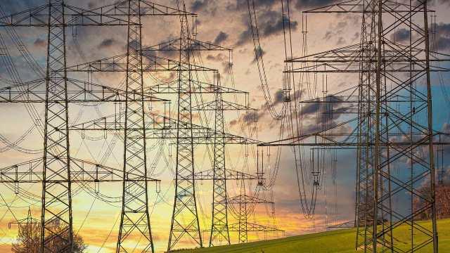 Suman suspensiones contra reforma eléctrica de AMLO