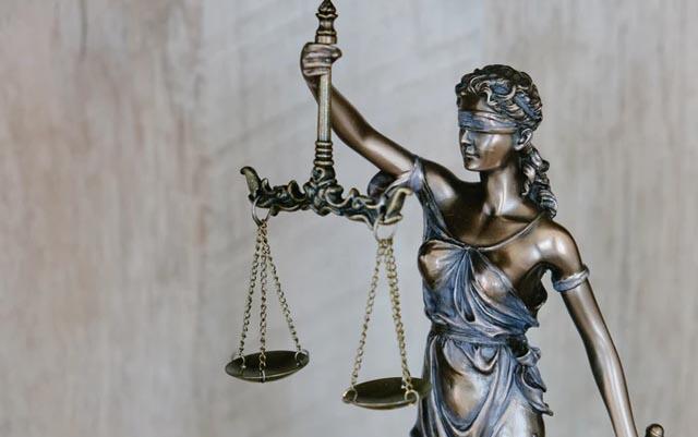 Un juez determina a los beneficiarios