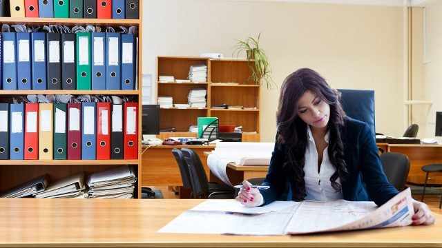 IMCO: ¿Cuáles serían los beneficios de sumar más mujeres al mercado laboral?