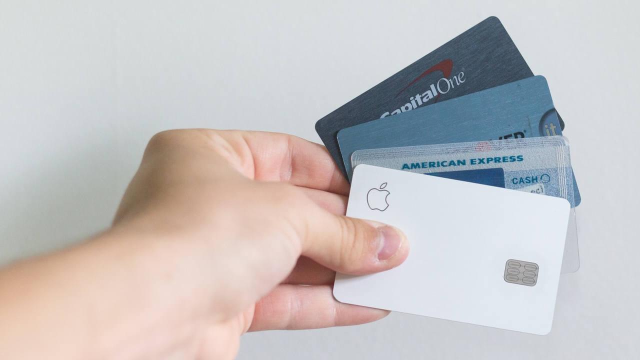¿Con qué herramientas puedo proteger mi tarjeta de crédito de un fraude?