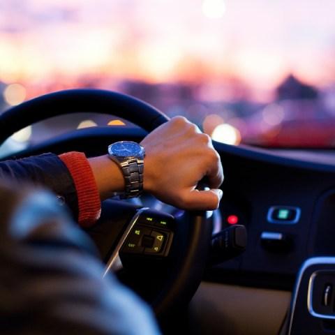Así puedes calcular el rendimiento de gasolina en carretera