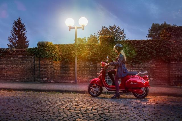 Con estos consejos tu seguridad y la de tu bolsillo estarán garantizadas al manejar una moto