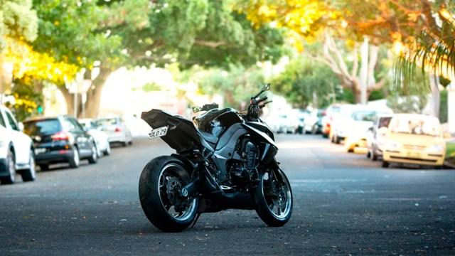 Multas por llevar menores en moto