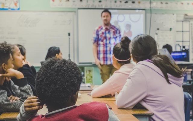 Sueldos en maestros