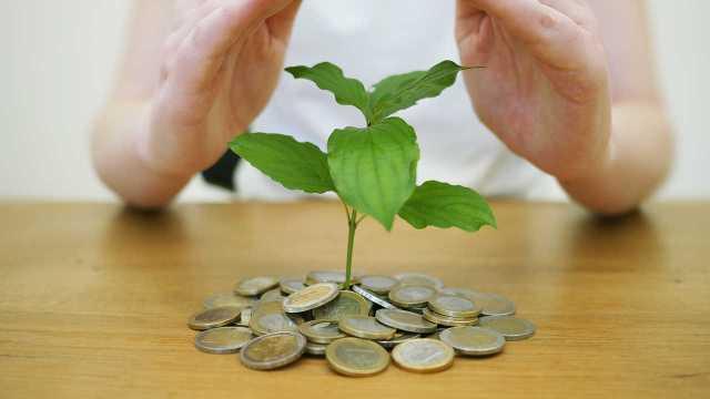 ¿Existe un componente ético al invertir mi dinero?