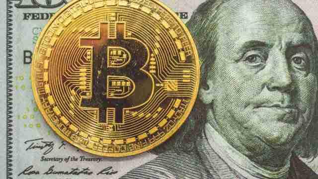 ¿Cuánto dinero tendría si hubiera comprado 20 mil pesos en Bitcoin hace 10 años?
