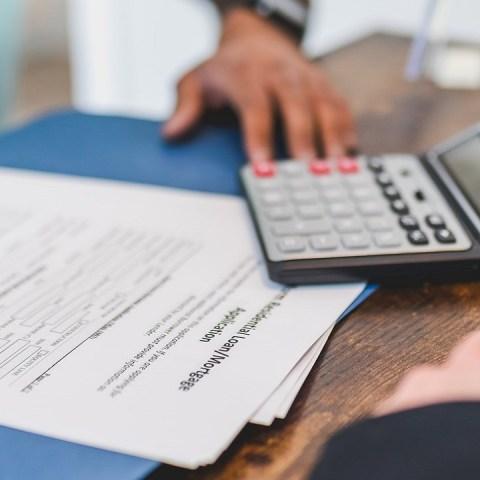 El límite de aportación extraordinaria corresponde al 5% de 25 salarios mínimos, es decir, 5 mil 384 pesos