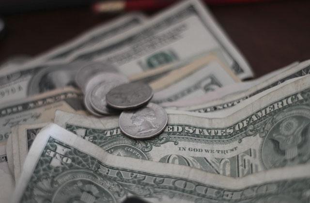 Dólar al día de hoy se conserva verde