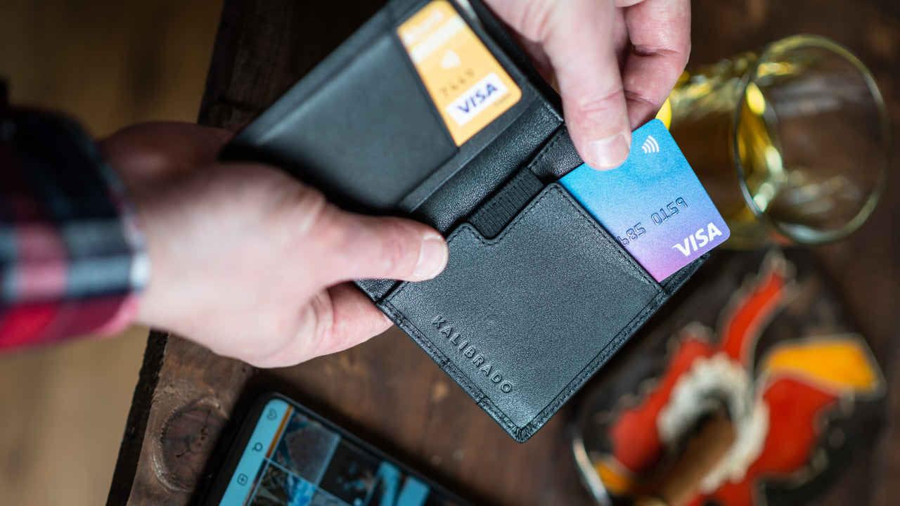 ¿Por qué te conviene tener dos tarjetas de crédito?