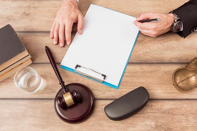 Una vez que tengas claro tus beneficiarios, puedes comenzar a hacer una lista de bienes