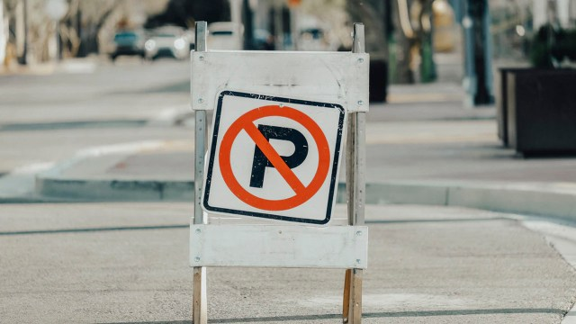 Ciudades buscan prohibir autos
