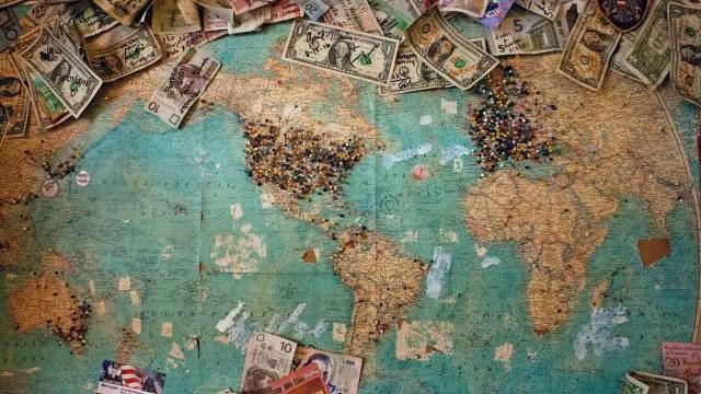 Dólares valen más