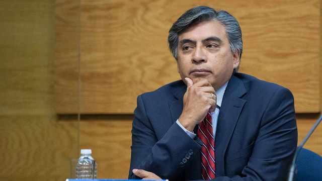 El pasado miércoles 12 de agosto, el presidente López Obrador propuso que la asignación de Derechos Especiales de Giro (DEG) del Fondo Monetario Internacional (FMI) por 12 mil millones de dólares para México se utilizara para pagar la deuda pública y no para alimentar las reservas internacionales.