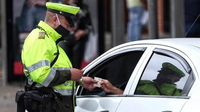 Consecuencias, mordidas a policias