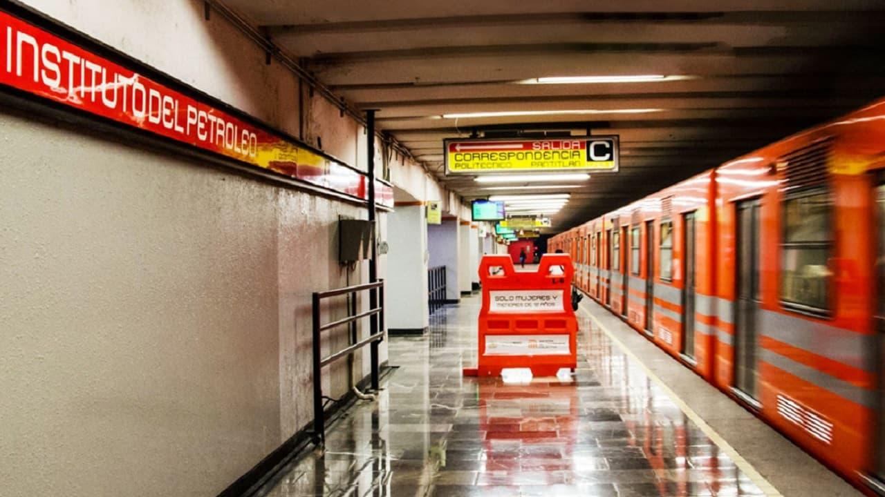 ¿Te pueden detener por vender o entregar mercancía en el Metro?