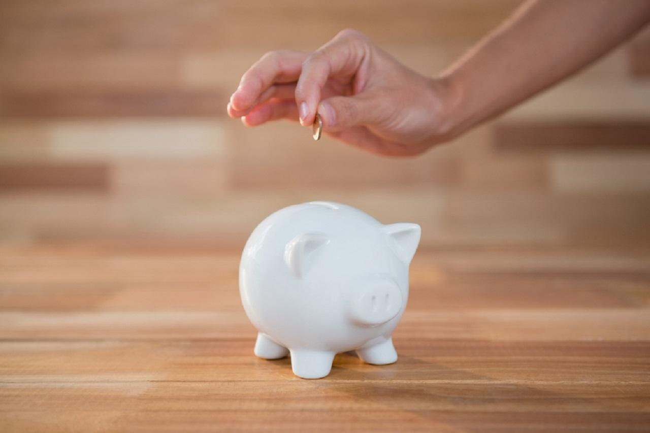 Guarda 3 pesos diarios y logra ahorrar mil 500 pesos en 33 días