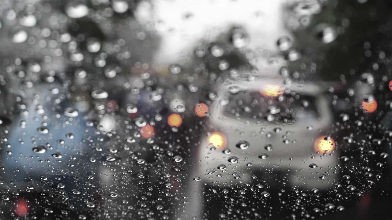 Recomendación para estacionar auto en la lluvia
