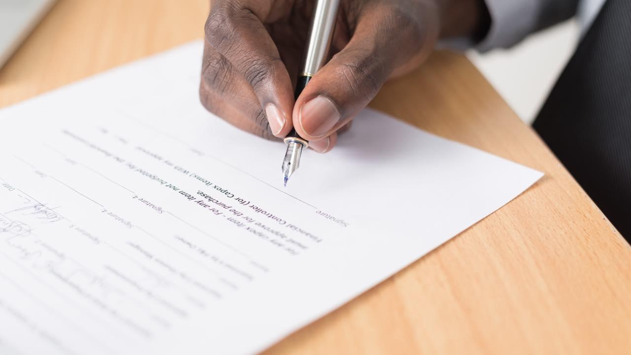 cláusulas contrato