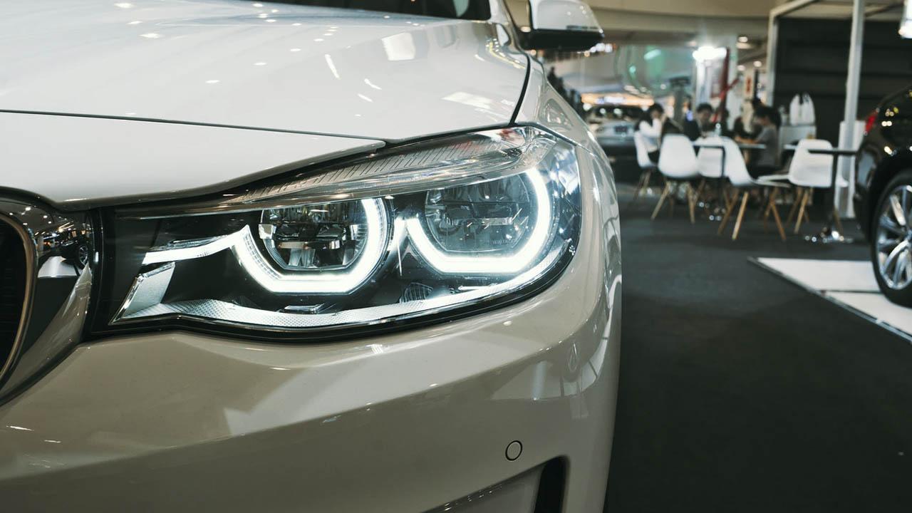 Evalúa si pagar tu auto a crédito o de contado es mejor