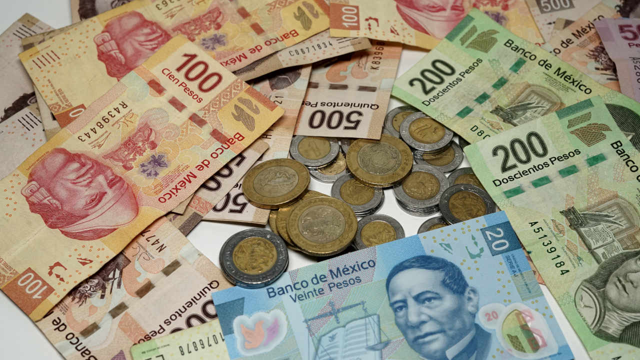 Banxico: Por reactivación, billetes y monedas en circulación aumentan 16.2% anual