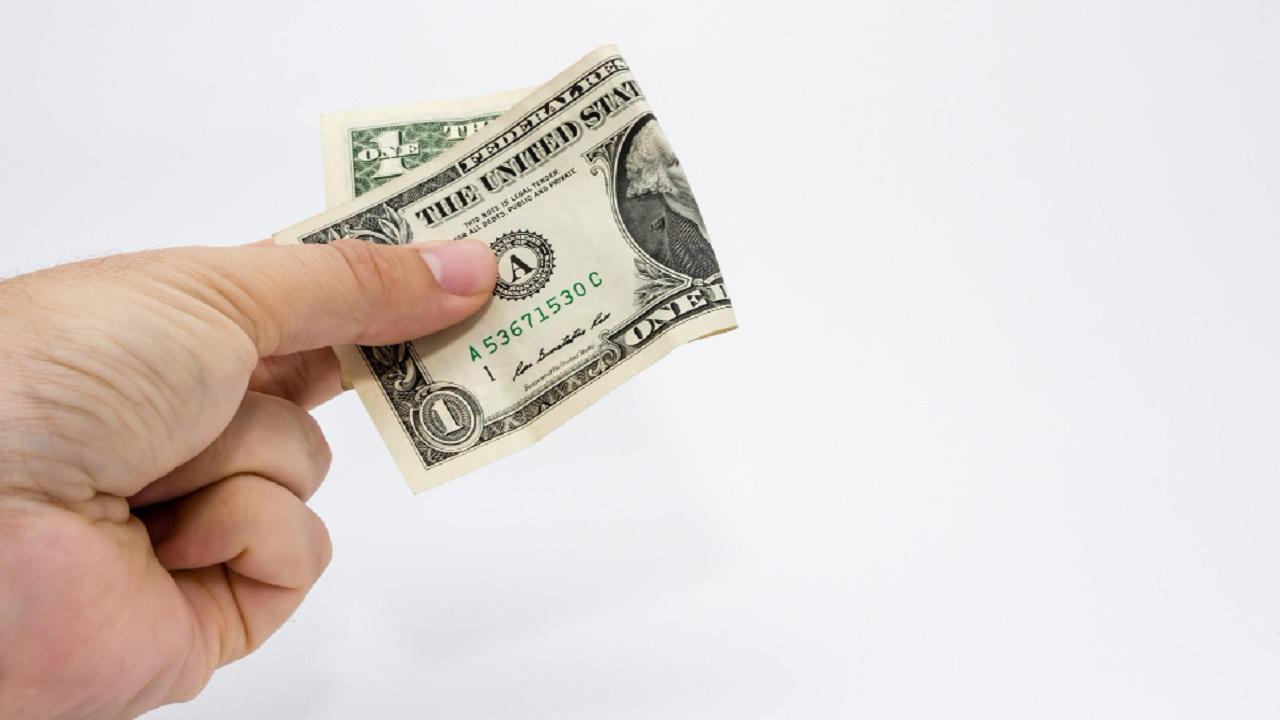 Toma esto en cuenta antes de prestar dinero