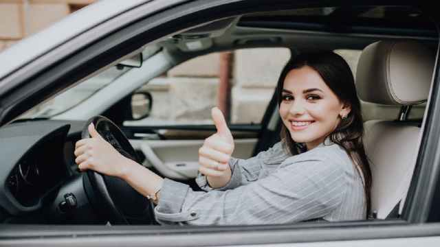 ¿Cómo ahorrar al tramitar mi seguro de auto?