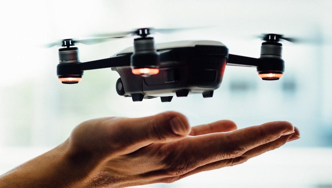 Volar drones es una carrera del futuro