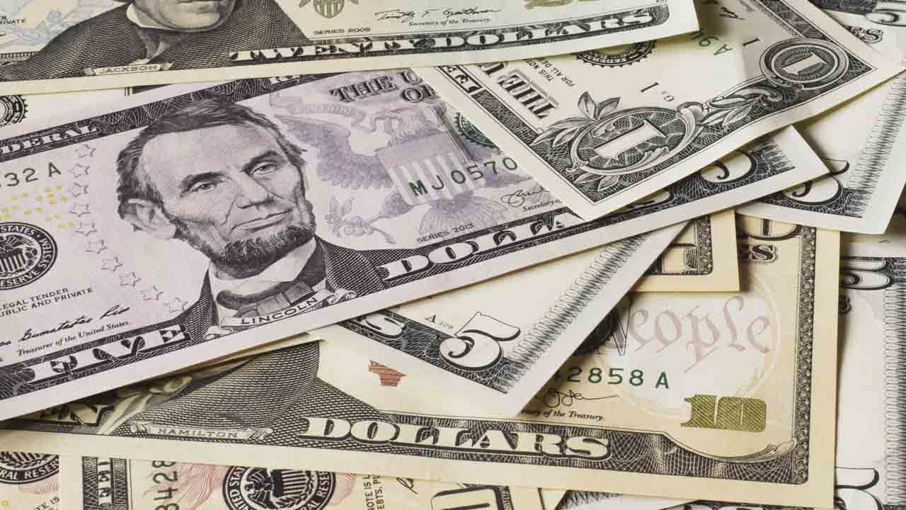 Se espera alzas del dólar