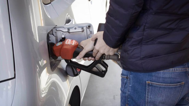 Si te despachan gasolina de más considera estas alternativas