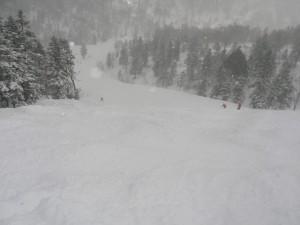 新雪40センチ西峰を攻める