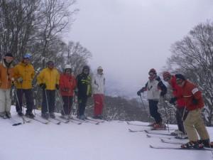 非圧雪のコブ斜面にチャレンジ