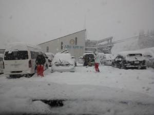 車も埋まる降雪20cm