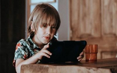 Od kiedy dzieci mogą korzystać z mediów społecznościowych. dr Jakub Andrzejczak