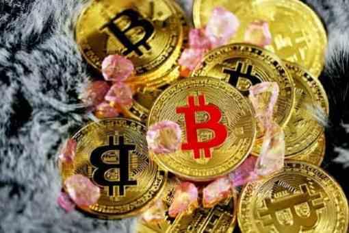 仮想通貨での入金はメリットが多数